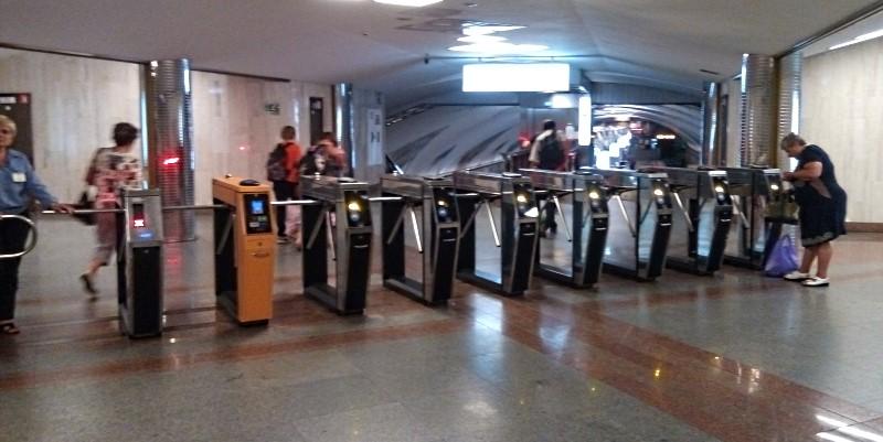 kijow metro bramki