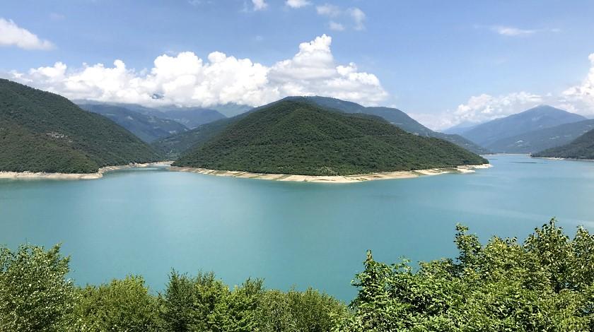 jezioro zinwalskie gruzinska wojenna droga