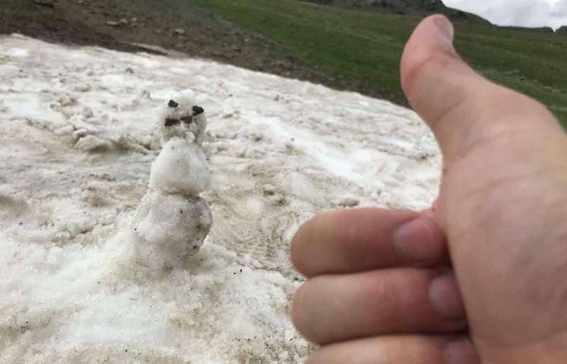 mestia jeziorka koruldi snieg lipiec